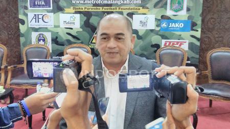 Raja Isa resmi menjadi pelatih Persikabo. - INDOSPORT