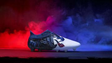 Peluncuran sepatu Adidas bertema Naga untuk final Liga Champions.