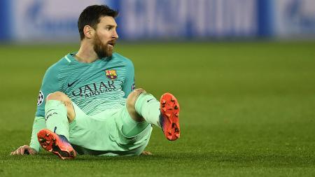 Lionel Messi tampil buruk ketika Barcelona dikalahkan Paris Saint-Germain di Parc des Princes. - INDOSPORT