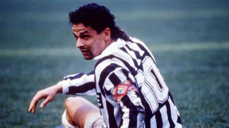 Roberto Baggio saat membela  Juventus era 1990-1995. - INDOSPORT