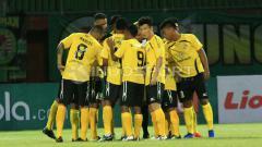 Indosport - Semen Padang jadi tim yang pertama tiba di Kota Solo.