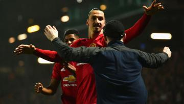 Zlatan Ibrahimovic menjadi pahlawan kemenangan Manchester United atas Blackburn Rovers.