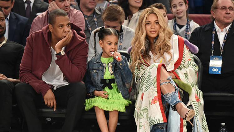 Pasangan penyanyi ternama dari AS, Jay-Z dan Beyonce beserta anaknya, Blue Ivy Carter juga turut ramaikan pertandingan NBA All Star 2017.