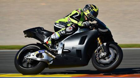 Aleix Espargaro senang dengan kemampuan motor Aprilia. - INDOSPORT