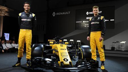 Kedua pembalap Renault, Jolyon Palmer dan Nico Hulkenberg. - INDOSPORT