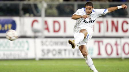 Mantan striker Inter Milan, Adriano Leite Ribeiro. - INDOSPORT