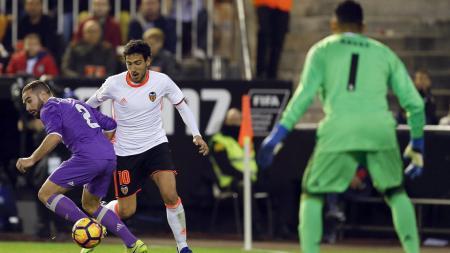 Valencia unggul dari Real Madrid 2-1. - INDOSPORT
