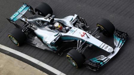Mobil W08 yang akan dipakai Mercedes di musim balap 2017. - INDOSPORT