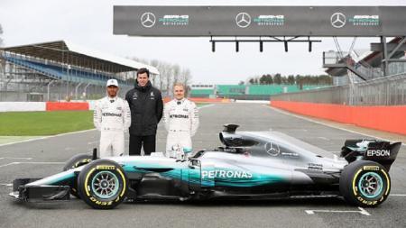 Tim Mercedes di musim balap F1 2017. - INDOSPORT