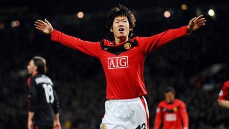 Legenda Korea Selatan, Park Ji-sung, saat membela Manchester United. - INDOSPORT
