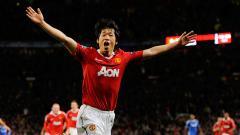 Indosport - Saat menghadapi AC Milan di Liga Champions 10 tahun lalu, manajer MU Sir Alex Ferguson punya rencana unik mematikan Andrea Pirlo, yaitu melalui Park Ji-sung.