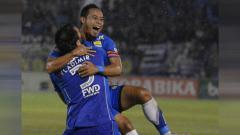 Indosport - Kalteng Putra umumkan kedatangan legenda Persib Bandung, Atep Rizal dan pemain naturalisasi, Mbom Augustin Elie untuk kompetisi Liga 2 2020.