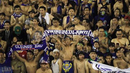 Kelompok suporter Persib Bandung, Viking Persib Club (VPC). - INDOSPORT