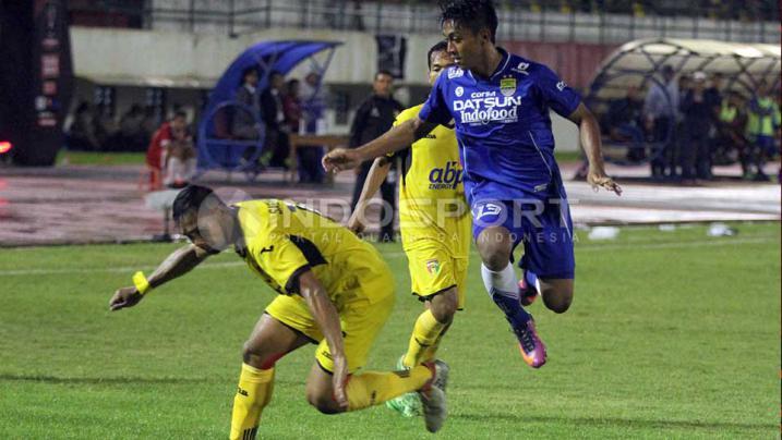 Momen-momen Terbaik dari Laga Persib Bandung vs Mitra Kukar