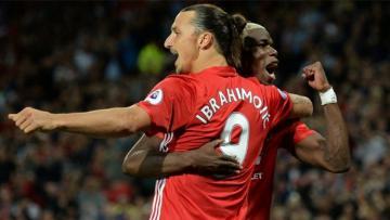 Zlatan Ibrahimovic saat merayakan gol bersama Paul Pogba.