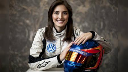 Tatiana Calderon, pembalap wanita. - INDOSPORT