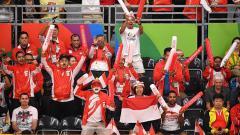 Indosport - Sebuah pujian diberikan komentator asing kepada fans bulutangkis Indonesia atas keantusiasan yang luar biasa di setiap turnamen yang diselenggarakan BWF.