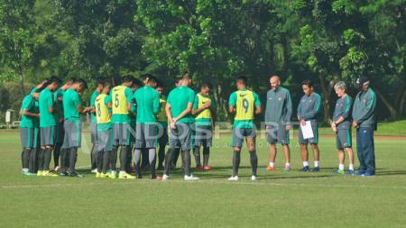 Suasana saat seleksi Timnas Indonesia U-22. - INDOSPORT