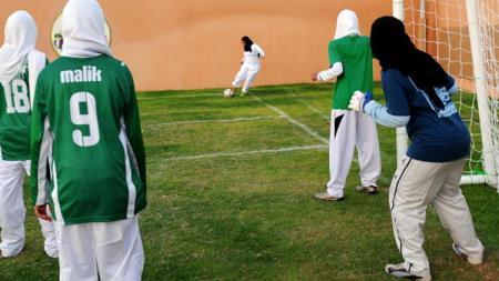 Sepakbola wanita di Arab Saudi. - INDOSPORT