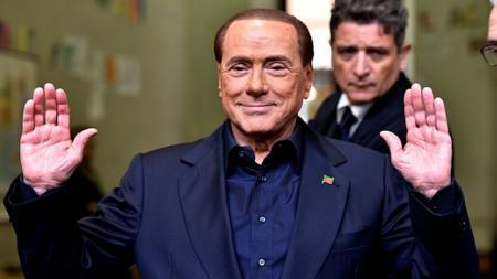 Mantan presiden AC Milan, Silvio Berlusconi. - INDOSPORT