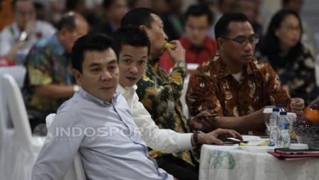 Wakil Ketua IV Satlak Prima, Taufik Hidayat (kedua dari kiri) hadir pada acara Konsolidasi Persiapan SEA Games 2017 dan Asian Games 2018.