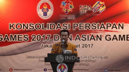 Menpora, Imam Nahrawi, memberikan pidato di konsolidasi persiapan Sea Games 2017 dan Asian Games 2018. - INDOSPORT