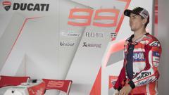 Indosport - Jorge Lorenzo saat akan uji coba Sirkuit Sepang.