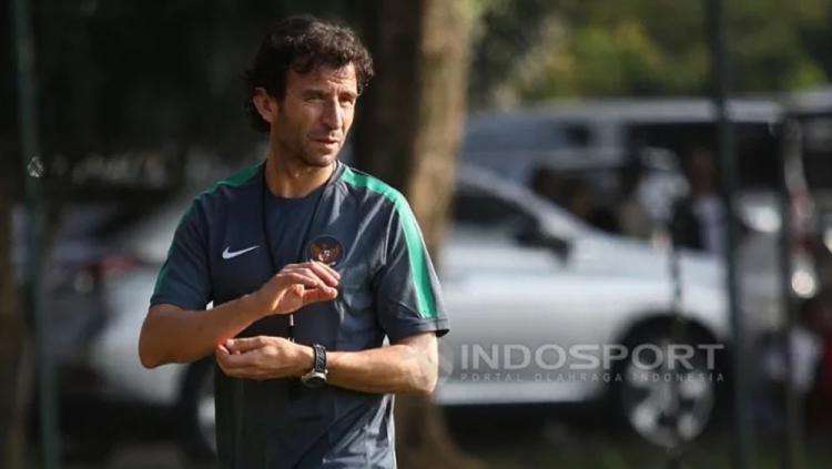 Pelatih Timnas U-22, Luis Milla asal Spanyol. Copyright: Herry Inrahim/Indosport