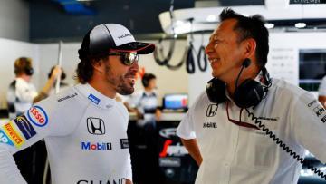 Fernando Alonso bersama bos Honda F1, Yusuke Hasegawa.