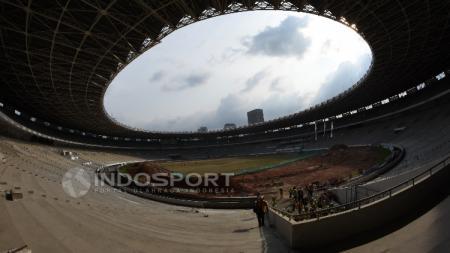 Kondisi terkini Stadion GBK yang sedang direnovasi jelang Asian Games 2018. - INDOSPORT
