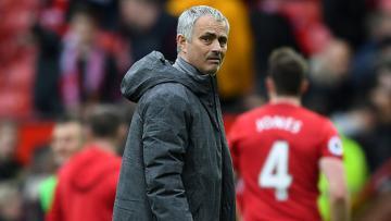 Jose Mourinho saat mendampingi Man United dalam laga kontra Bournemouth di Old Trafford.