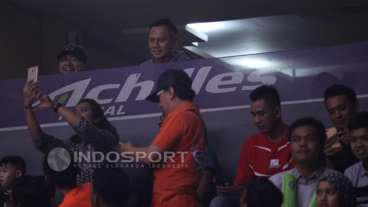 Agus Harimurti Yudhoyono (atas) hadir pada laga IBL All Star 2017.