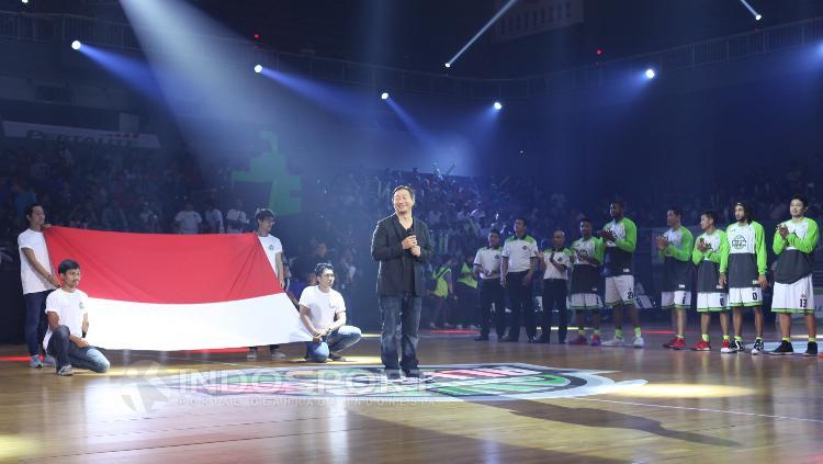 Komisioner IBL, Hasan Ghozali memberi sambutan jelang laga IBL All Star 2017.