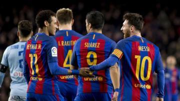 Pemain-pemain Barceloa merayakan gol di laga melawan Celta Vigo.