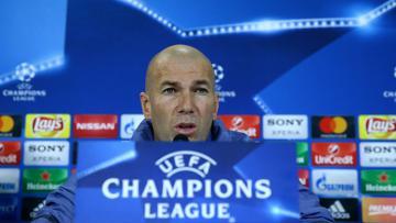 Pelatih Real Madrid, Zinedine Zidane dalam sebuah konferensi pers.