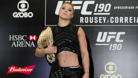 Petarung wanita UFC, Ronda Rousey.