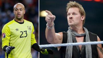 Darren Randolph lakukan gerakan SmackDown khas Chris Jericho.
