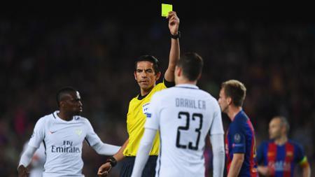 Julian Draxler saat bertanding melawan Barcelona. - INDOSPORT