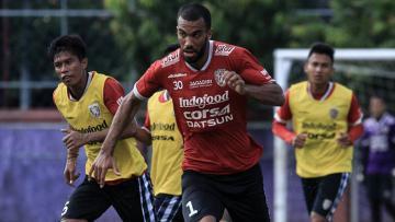 Pemain asing anyar Bali United, Sylvano Dominique Comvalius.