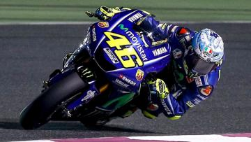 Pembalap Yamaha, Valentino Rossi ketika mengikuti tes di Qatar.