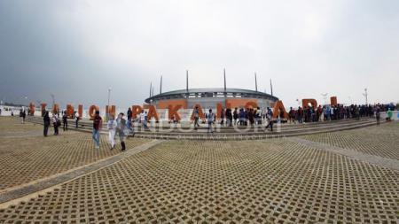 Situasi Stadion Pakansari. - INDOSPORT