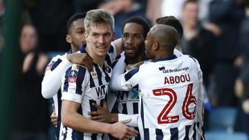 Skuat Millwall rayakan kemenangan di Piala FA