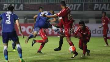 Semen Padang saat berlaga melawan Persib Bandung di ajang Piala Presiden 2017.