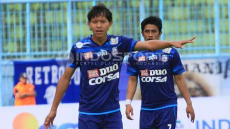 Adam Alis Setyano akan menggantikan Stefano Lilipaly di Timnas Indonesia. - INDOSPORT