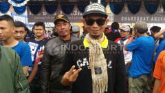 Indosport - Dirigen kebanggaan Aremania, Yuli Sumpil.