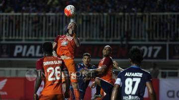 Pertandingan Pusamania Borneo FC melawan Arema FC.