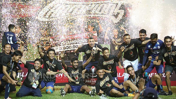 Perayaan gelar juara Piala Presiden 2017 oleh Arema FC.