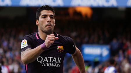 Rekor manis Luis Suarez bersama Barcelona sirna dalam kekalahan kontra Deportivo La Coruna. - INDOSPORT