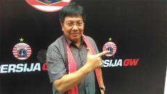 Indosport - Gede Widiade mundur dari jabatannya sebagai Direktur Utama Persija Jakarta.