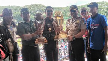 Gelar juara Piala Presiden 2017 untuk ribuan Aremania.